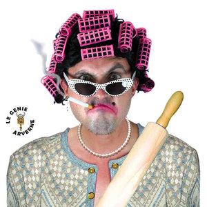 normal_perruque-josiane-bigoudis-deguisement-megere-harpie-vipere-gendarme-cheveux-chevelure-coiffure-postiche-capitaine-maison-commandant-dominante-concierge-conchita-vieille-femme-grognasse-hargneuse-memere-papillote-rouleau